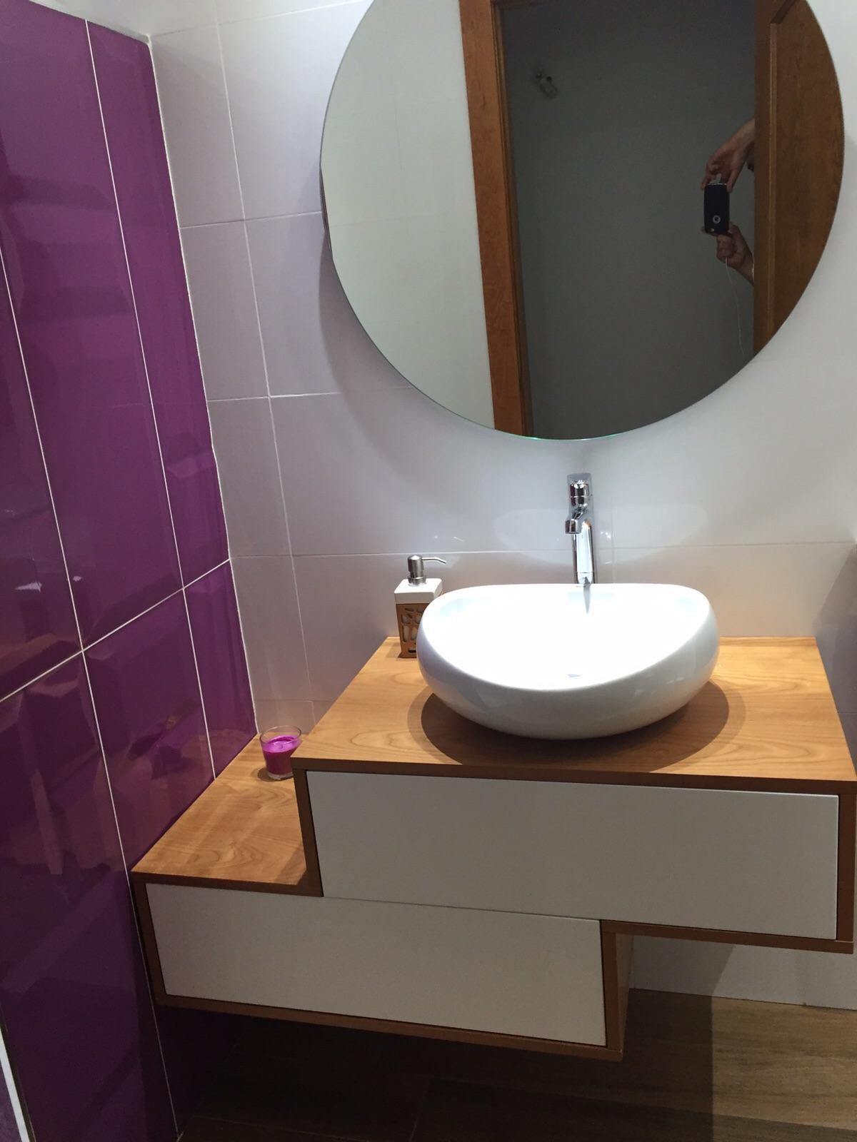 Mueble de baño cerezo + blanco