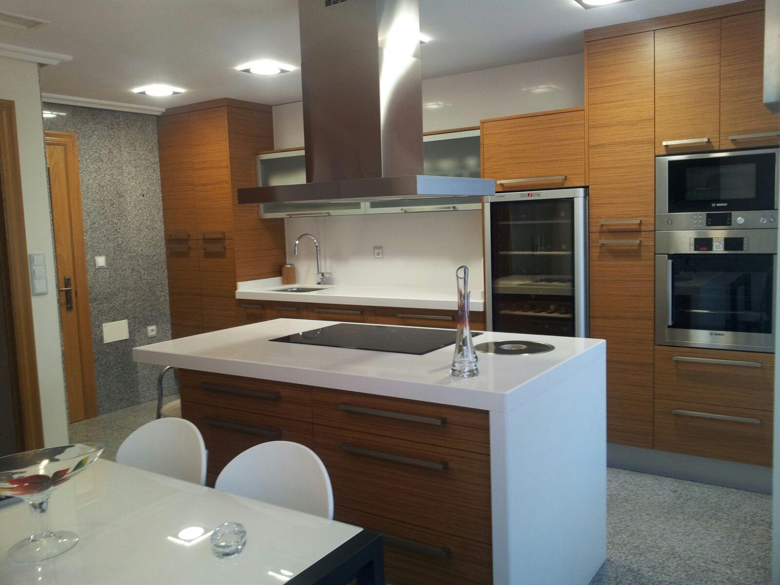 Cocina de diseño de teca