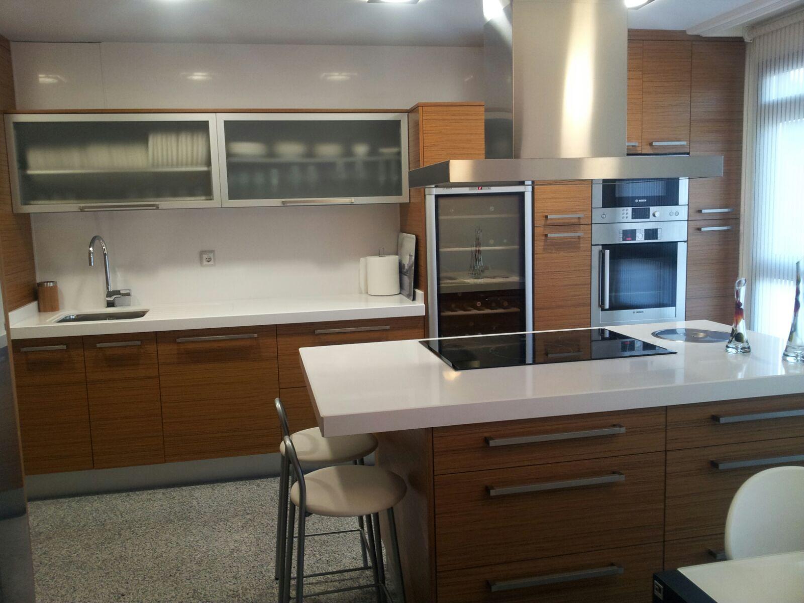 Cocina de teca - Carpinteros en Murcia